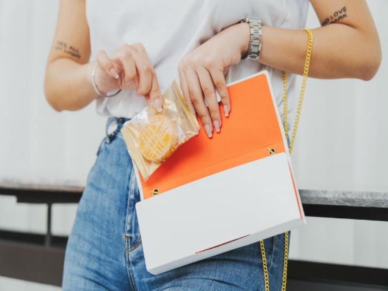 手拿包禮盒西式喜餅